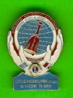 PIN'S - ÉPINGLETTES - ASSOCIATIONS DES CLUB LIONS -  CONVENTION DISTRICT A-8, 1985 - SOULANGES, VALLEYFIELD,HUNTINGDON, - Associations