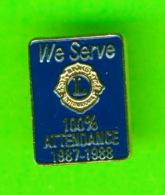 PIN'S - ÉPINGLETTES - ASSOCIATIONS DES CLUB LIONS -  WE SERVE, 100% ATTENDANCE 1987-1988 - - Associations