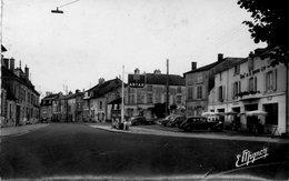 CPSM Dentelée -BAR-sur-AUBE (10) - Aspect Du Faubourg De Belfort En 1956-Station-service Antar Et Hôtel De La Pomme D'Or - Bar-sur-Aube