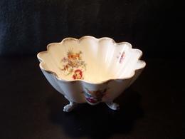 Coupe Tripode Décor Fleurs Imprimés ( 14 X 8 Cm  210 Grammes ) - Ceramics & Pottery