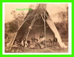 INDIENS - BANNOCK FAMILY IN CAMP AT THE HEAD OF MEDECINE LODGE CREEK, IDAHO, 1871 -  DIMENSION 12 X16 Cm - - Indiens De L'Amerique Du Nord