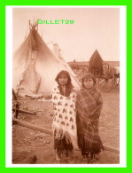 INDIENS - TWO COMANCHE GIRLS, 1885 - PHOTO BY WILLIAM S. PRETTYMAN -  DIMENSION 12 X16 Cm - - Indiens De L'Amerique Du Nord