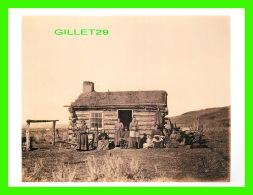 FEMMES - MORMON FAMILY, SALT LAKE CITY, UTAH, 1868-1869 - PHOTO, A. J.  RUSSEL -  DIMENSION 12 X 16 Cm - - Femmes
