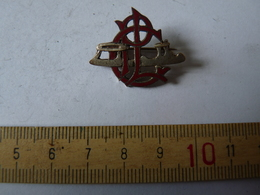 Insigne Décoration Broche Breloque Ancienne P L C - Army & War