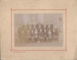 PHOTO De CLASSE - Instituteur Et Ses Elèves - Vers 1910 - Par Raoul Charpy, Photographie à Le Mans - Ecole - A Voir ! - Berufe