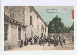 Sauveterre. Gard. Ecoles Et Mairie. Bureau De Postes. Ecoliers En Blouses Avec Bérets. (2745) - Autres Communes