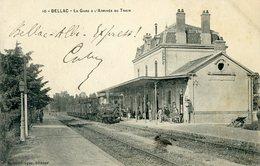 Bellac La Gare Et L'Arrivée Du Train Affranchie à Bellac Compostée à St Jean De Luz - Bellac