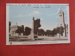 Tunisia  Enfidaville  Place Du Monument Aux Morts -- Ref 2945 - Tunesië