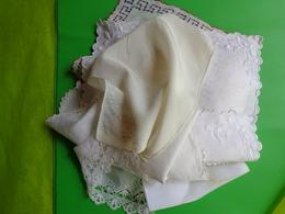 Lot De Mouchoirs Anciens (patriotique-papillon Monogramme Etc... - Handkerchiefs