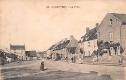 58 - Champvert - La Place Animée - Autres Communes