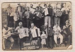 8AK852 PHOTO Le Petit Monde De L4accordeon Musique PLOUHA ??? 1937 1987 - Beroepen