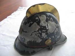 CASQUE ANCIEN DE POMPIER SUISSE - Headpieces, Headdresses