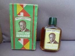 Flacon De Parfum Miniature Jehanne RIGAUD Paris - Parfum Léopold Sédar SENGHOR. Boîte Et Bouteille En Bon état. - Miniatures Anciennes (jusque 1960)