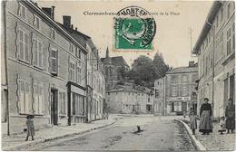 55 CLERMONT EN ARGONNE Entrée De La Place Animation Hôtel De La Pomme D'Or - Clermont En Argonne