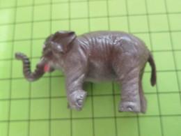 DIVERSDIVERS FIGURINE PUBLICITAIRE ANNEES 70/80 MARQUE PRIOR (biscottes ?) ELEPHANT - Figurines