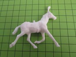 DIVERSDIVERS FIGURINE PUBLICITAIRE Années 80 Marque ROCHE AUX FEES Thème CIRQUE - Horses