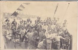MILITARIA--carte-photo---( Marins Sur Bâteau Dans Le Port De BORDEAUX ? )--voir 2 Scans - Militaria