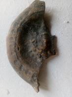 Fragment De Lampe Romaine à La Tête De Meduse - Archéologie