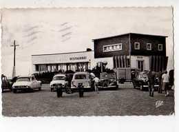 14 COURSELLES SUR MER Restaurant De La Plage Arch Berthaud, Automobiles  DS Dauphine Traction Camionnette... - Courseulles-sur-Mer