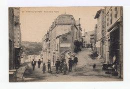 Châtel Guyon. Rue De La Poste. Avec Enfants, Devanture De Magasin. (2767) - Châtel-Guyon