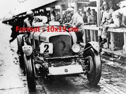 Reproduction D'une Photographie Ancienne De La Bentley Numéro 2 Aux Mans De 1924 à 1930 - Reproductions