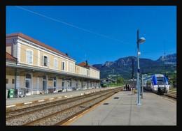 74  La  ROCHE  Sur  FORON ... La  Gare.. Les Quais - La Roche-sur-Foron