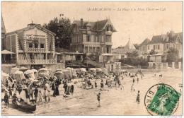 D33  ARCACHON  La Plage à La Place Thiers  ..... ( Avec Les Peintres Refaisant La Façade ) - Arcachon