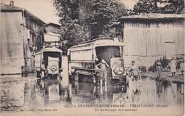 TRIAUCOURT - Le Nettoyage Des Autobus - Grande Guerre - France
