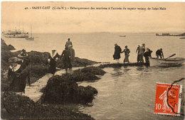 SAINT CAST - Débarquement Des Touristes A L' Arrivée Du Vapeur De Saint Malo  (105918) - Saint-Cast-le-Guildo