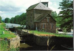 CPM  De  GUICHEN-BOURG-des-COMPTES   (35)  -  Le  Moulin  Et  L' Ecluse   //   TBE - France