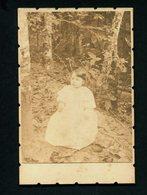 Fotografia Antiga De Criança No Campo: Fotografo Não Identificado. Original Old PHOTO Child.  11 X 16cm PORTUGAL - Ancianas (antes De 1900)