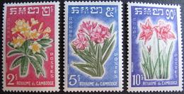 LOT 1634 - 1961 - ROYAUME DU CAMBODGE - FLEURS - N°104 à 106 NEUFS** - Cambodia