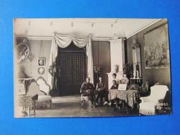 CPA RUSSIE INTERIEUR RUSSE ET FAMILLE EN 1913 CARTE PHOTO - Russia