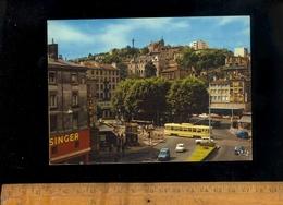 SAINT ST ETIENNE Loire 42 : La Place Du Peuple  1972 / Magasin SINGER Shop Machine à Coudre / Tram Tramway / Renault 4L - Saint Etienne