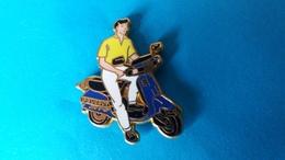 Scooter PEUGEOT Bleu    ARTHUS BERTRAND - Peugeot