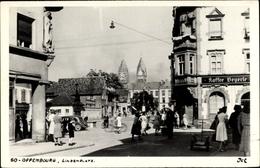 Cp Offenburg Im Schwarzwald Ortenaukreis, Blick Auf Den Lindenplatz Mit Vielen Passanten - Autres