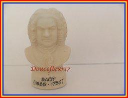 Parole Et Musique...lot De 2 Fèves.. Ref AFF : 6-2004 ...( Pan 40..8) - Characters