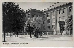 CPA Lituanie Lituania Carte Photo Non Circulé Kaunas Faculté De Médecine - Litauen