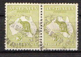 AUSTRALIE ( POSTE ) : Y&T N° 5 EN  PAIRE  TIMBRES  BIEN  OBLITERES  A  VOIR . - 1913-48 Kangaroos