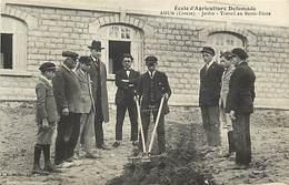 - Thèmes -ref-W949- Ecole D Agriculture Defumade - Ahun - Creuse - Jardin - Travail Au Retro Force - Edit. De Nussac - - Cultures