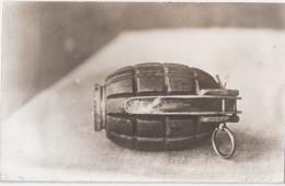 1. Weltkrieg WW I Handgranate Aus England English Grenade Combat Rapproché TOP-Erhaltung Private Fotokarte Photo Privee - Ausrüstung