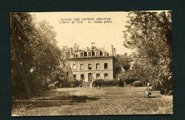 CPSM: 21 - LES LAUMES - L'HOTEL DE VILLE - LE JARDIN PUBLIC - - Francia