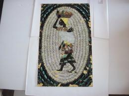 Tableau Composant Une Femme Africaine Portant Des Fruits Sur La Tète  En Ailes De Papillons  Magnifique T.B.E. - Art Africain