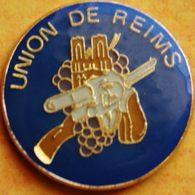 CC 143...   TIR  AVEC ARME  /...UNION  DE  REIMS.......pistolet...carabine... - Non Classés