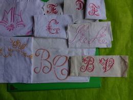 Gros Lot De Monogrammes Decoupes Dans Des Draps -serviettes Ou Autre  3kg Sans Emballage - Vintage Clothes & Linen