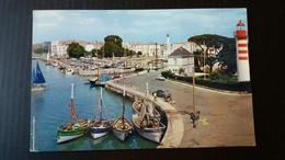 LA ROCHELLE ENTREE DU BASSIN DES YACHTS - La Rochelle