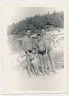 REAL PHOTO Ancienne Boys And Men On Beach Garcons Et Hommes Sur Plage Enfants  Photo ORIGINAL - Photos