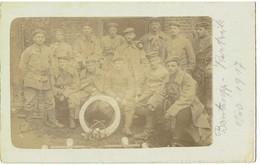 COURTRAI - Kortrijk - Carte Photo - Oorlog 1914-18 - Soldaten Met Staaldraad - Electriciteitswerkers ? - Kortrik Nov. 17 - Kortrijk