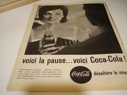 ANCIENNE PUBLICITE VOICI LA PAUSE E COCA COLA 1961 - Posters