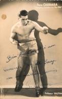 PHOTO BOXE BOXEUR  PIERRE CARRARA DEDICACE  AU BOXEUR JOSE DE SOUZA   FORMAT 14 X 9 CM - Autographes